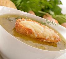 Letnia zupa cebulowa z cebuli cukrowej - przepis wegetariański