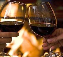 Płonący poncz angielski - przepis na mocno rozgrzewający napój