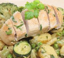 Pieczony filet z kurczaka z sosem estragonowym: łatwy przepis