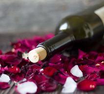 Wino z płatków róży - domowe wino na drożdżach winiarskich