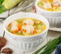 Pożywna zupa z kabaczka z klopsikami