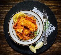 Ryba po grecku dla każdego - różne wersje tej popularnej potrawy