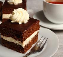 Ciasto WZ, czyli wuzetka na dużą blachę: przepis na wuzetkę