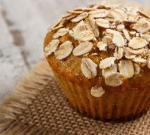 Muffinki z jabłkami i płatkami owsianymi: przepis na pyszny deser na chłodne dni