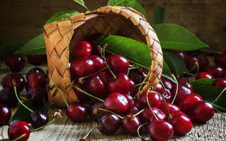 Jak wydrylować wiśnie bez drylownicy?