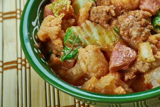 Znakomity gulasz wołowy z kalafiorem