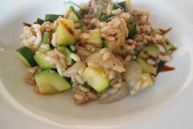 Potrawka z cukinii z ryżem - jak przygotować?