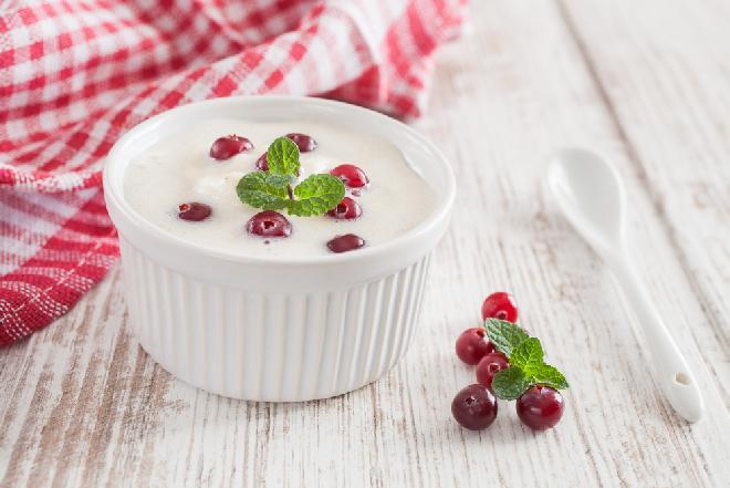 Lody jogurtowe z żurawiną