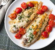 Ryba pieczona z pomidorkami cherry