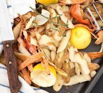 Oszczędny bulion warzywny z obierek: tania i smaczna baza do zup