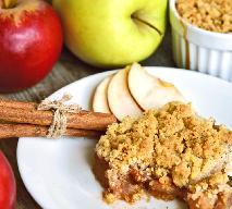Szarlotka pod owsianą kruszonką - pyszny jabłecznik bez pieczenia