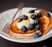 Puszyste placuszki śniadaniowe - przygotujesz je BEZ MIKSERA!