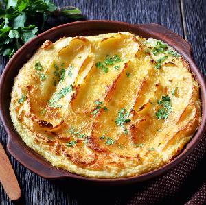 Puree ziemniaczane zapiekane z tartym serem: łatwy przepis na wczorajsze ziemniaki