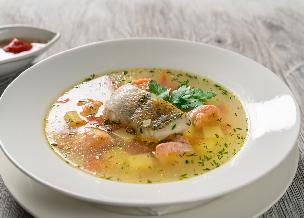 Zupa z ryby: przepis na zupę rybną idealną na Wigilię [WIDEO]