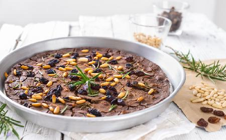 Castagnaccio - pyszne, włoskie ciasto kasztanowe