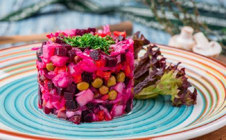 Rosyjska sałatka winegret - tradycyjna sałatka z gotowanych warzyw