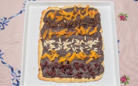 Mazurek z gotową polewą czekoladową - pyszny i uzależniający