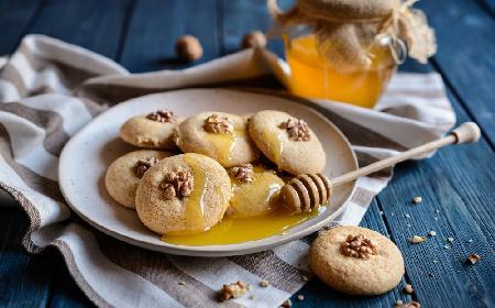 Bułgarskie ciasteczka miodowe: łatwy przepis na świąteczne MEDENKI