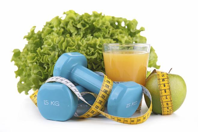 W co wzbogacić dietę, żeby szybciej tracić kilogramy? Jakie produkty zbijają wagę?