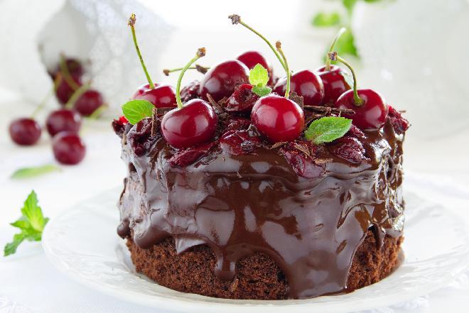 Czarne z wiśniami - przepis na ciasto czekoladowe