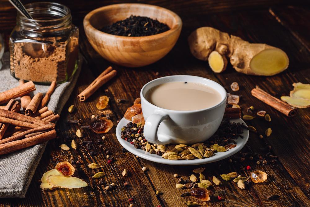 Indyjska herbata Masala Chai rozgrzewa i koi